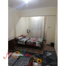 شقة للايجار مفروش - ميامى-الدور٥-رابع نمرة من البحر -للأسر فقط